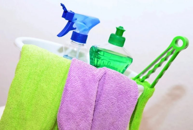 Come pulire il cuscino pedicale Tempur. 3 modi migliori